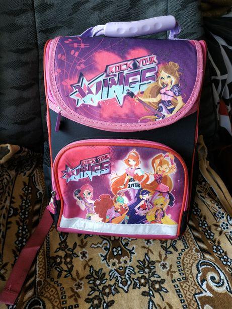 Шкільний рюкзак для першачків