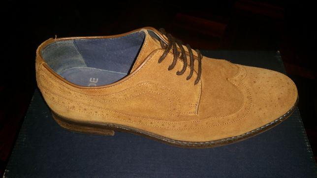 Sapato Clássico Camurça