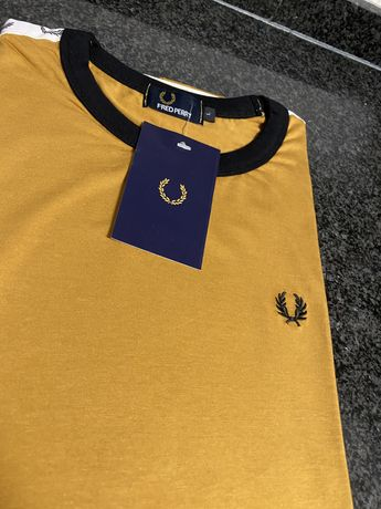 T-Shirt Nova Com Etiqueta