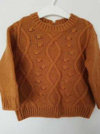 Brązowy sweterek