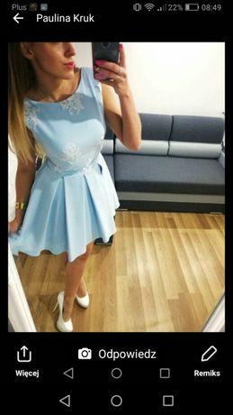 Sukienka rozkloszowana niebieska z koronką białą