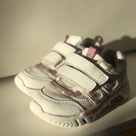 Детские кроссовки lupilu