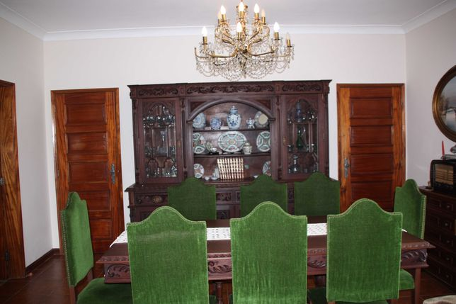 Mobília de sala de jantar em mogno!
