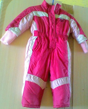 Модный лыжный костюм (комбинезон)