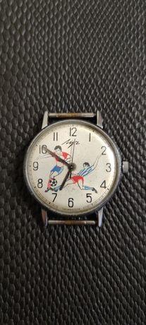 Часы луч с футболистами