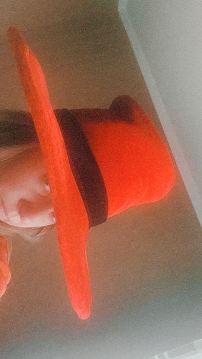 Шляпа червона карнавальна Боярка - изображение 1