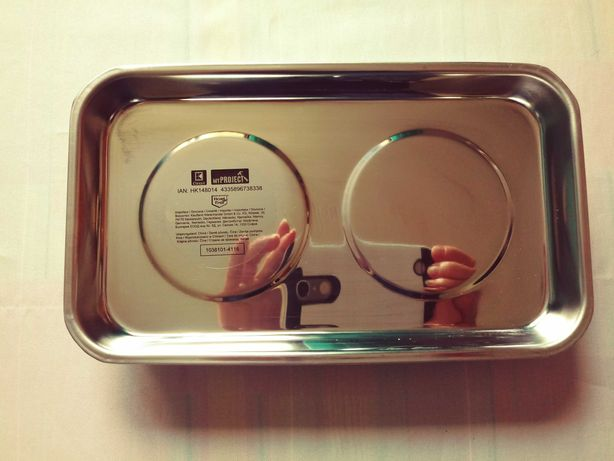 Tacka, miseczka magnetyczna. Wymiary: 14x24 cm.