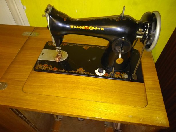 Швейная машинка ПМЗ, ножная, тумба, аналог Zinger