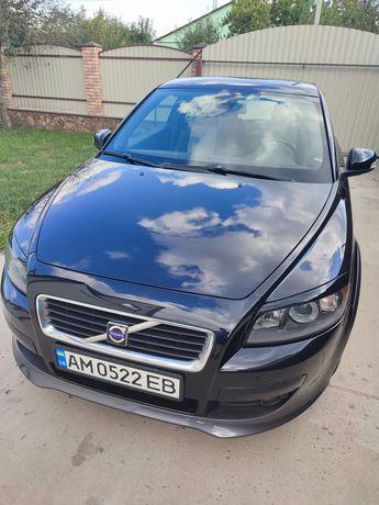 Продам автомобіль VOLVO.