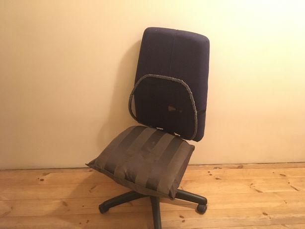 Krzesło/fotel do biurka ciężki, solidny z regulowanym opraciem