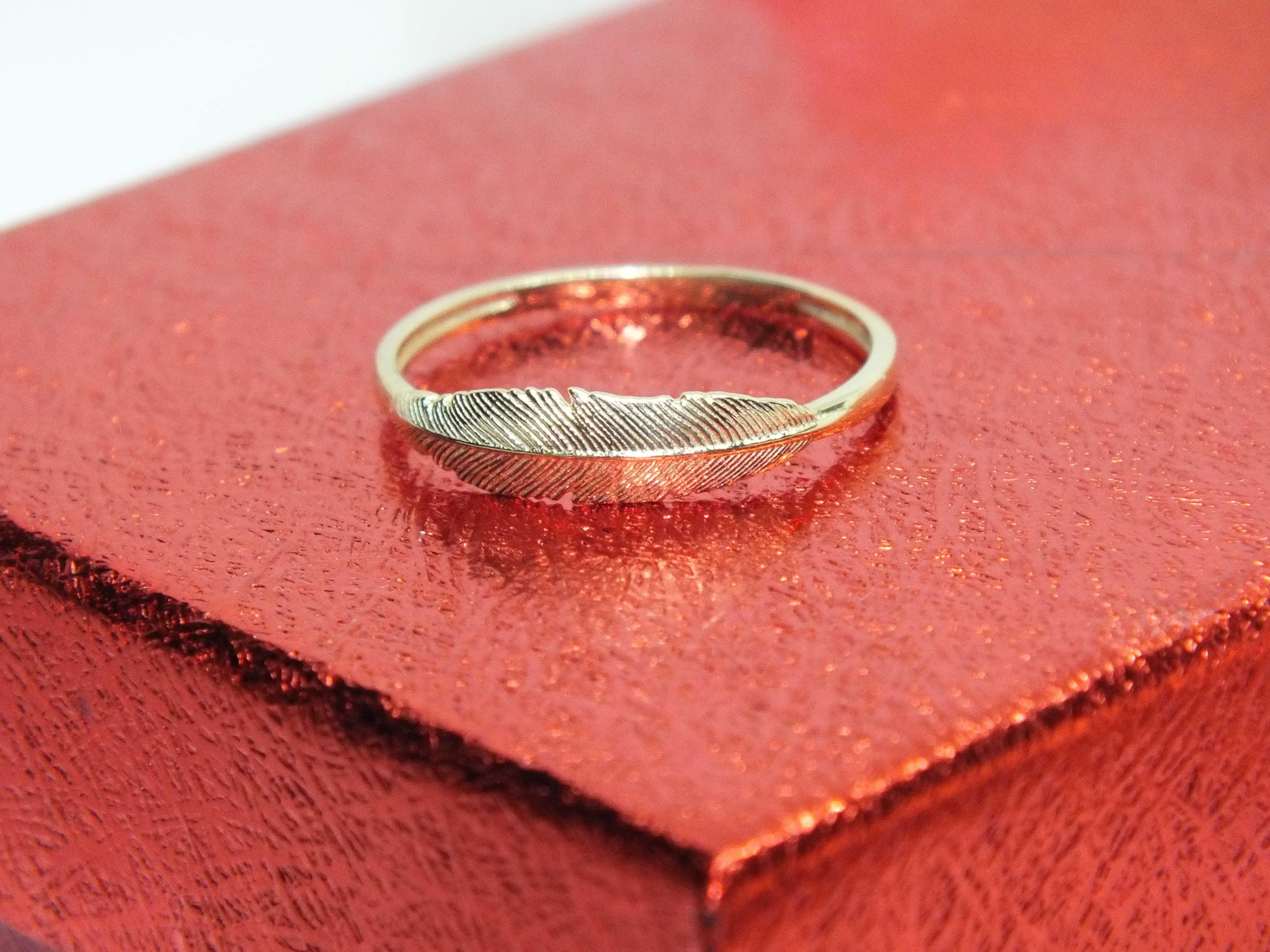 **Nowy złoty pierścionek 1,49g p.585-Lombard Stówka**