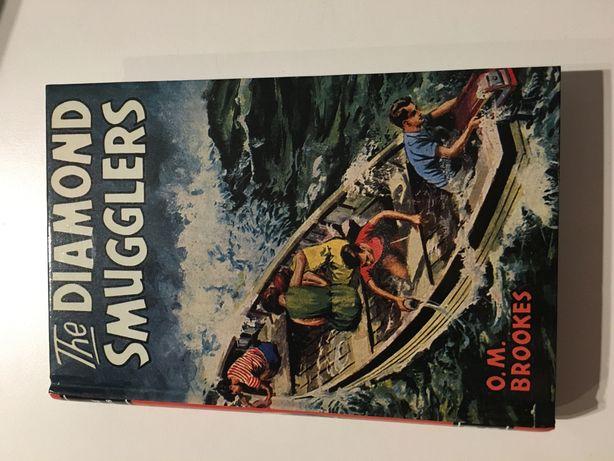 "Książka ""The Diamond Smugglers"""