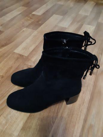 Женские демисезонные ботиночки