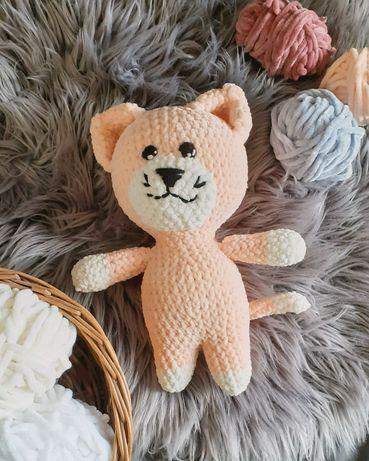 Kotek maskotka zrobiona na szydełku (handmade)