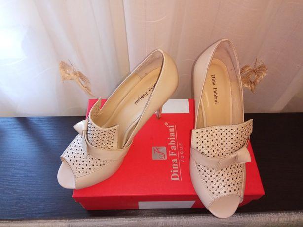 Продам женские туфельки Dina Fabiani