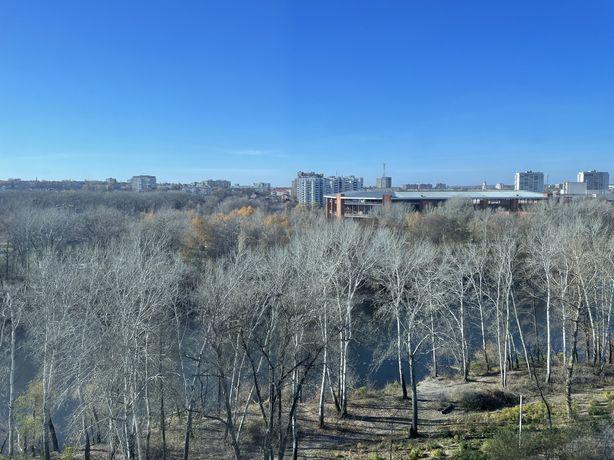 Продам просторную 2 комнатную квартиру с панорамными окнами на реку!