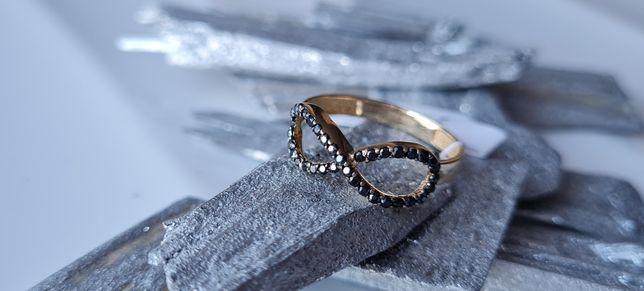 Śliczny złoty pierścionek próby 585