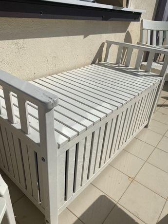 Banco com arrumacao para exterior IKEA madeira maciça