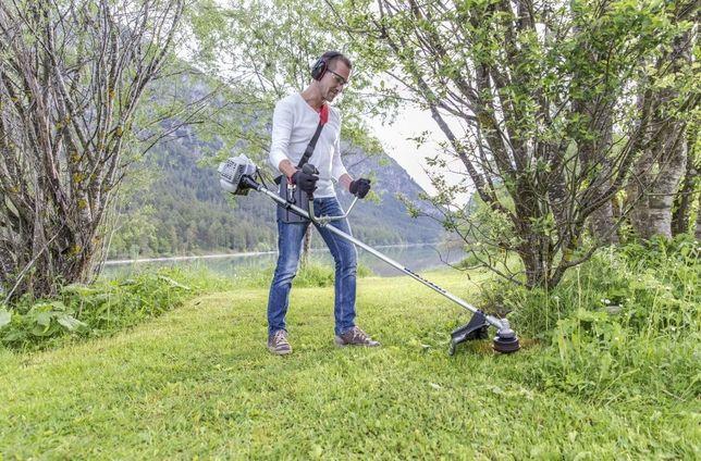 Покос травы, уборка участка, кронирование деревьев, работа в саду
