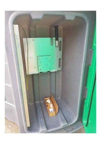 Zbiornik magazynowy 1600 l z dużymi drzwiami do ON z tablicą montażową
