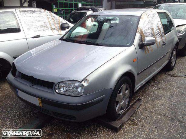 Volkswagen Golf IV Tdi e gasolina para peças