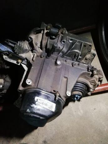 Caixa de velocidades Renault 1.5dci com motor de arranque a trás 5 vel