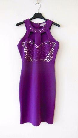 fioletowa sukienka sylwestrowa kreacja na sylwestra cwieki dekolt 36sM
