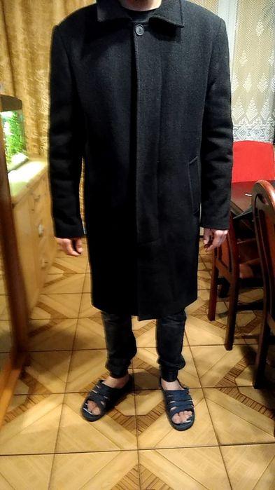 Czarny męski płaszcz.Rozmiar 52. Wadowice - image 1