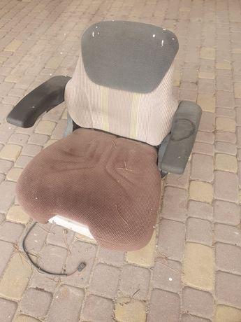 Fotel pneumatyczny do ciągnika rolniczego