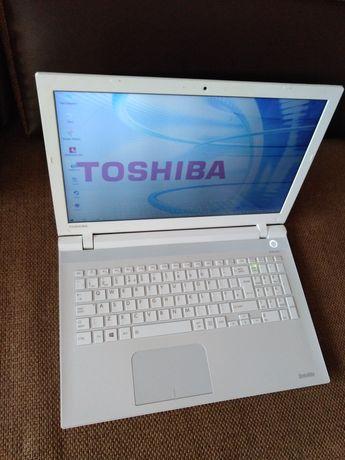Toshiba L50-C i5-6200 8 GB RAM Win10 240 ssd Intel HD 520 USB 3.0