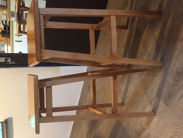 Dwa taborety wysokie, hokery, krzesła barowe