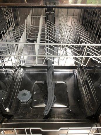 Máquina de lavar louça BALAY com avaria
