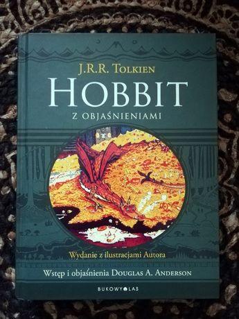 Hobbit z objaśnieniami. Wydanie z ilustracjami Autora J.R.R. Tolkien.