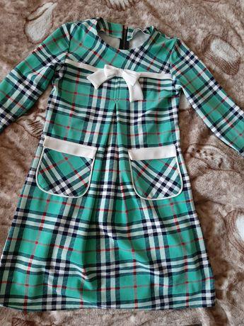 Продам дешево очень красивое школьное платье