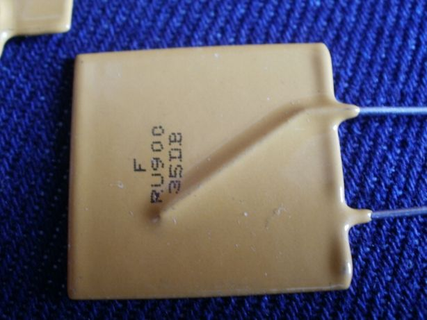 Предохранитель самовостанавливающийся 50 вольт, 9 ампер MF-R900