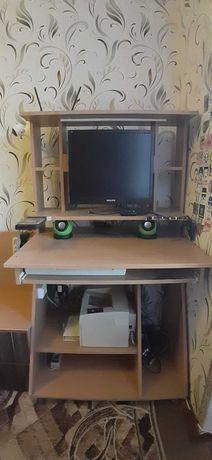 Компьютерный стол, компактный