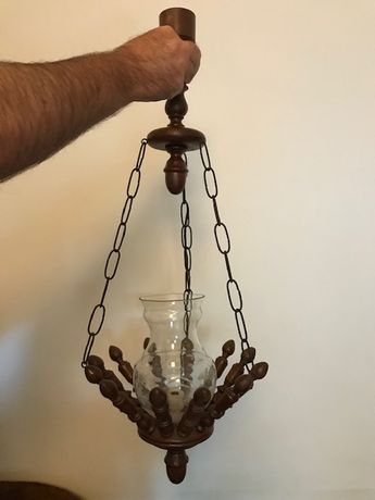 Candeeiro antigo madeira com globo vidro trabalhado