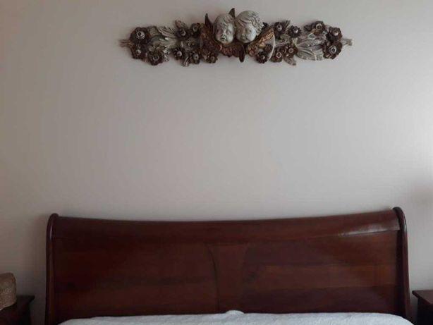 Peça decorativa para cabeceira de cama