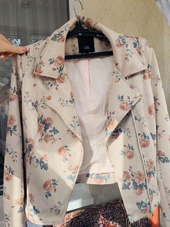 Шикарная куртка 16 размер прованс цветы atmosphere косуха