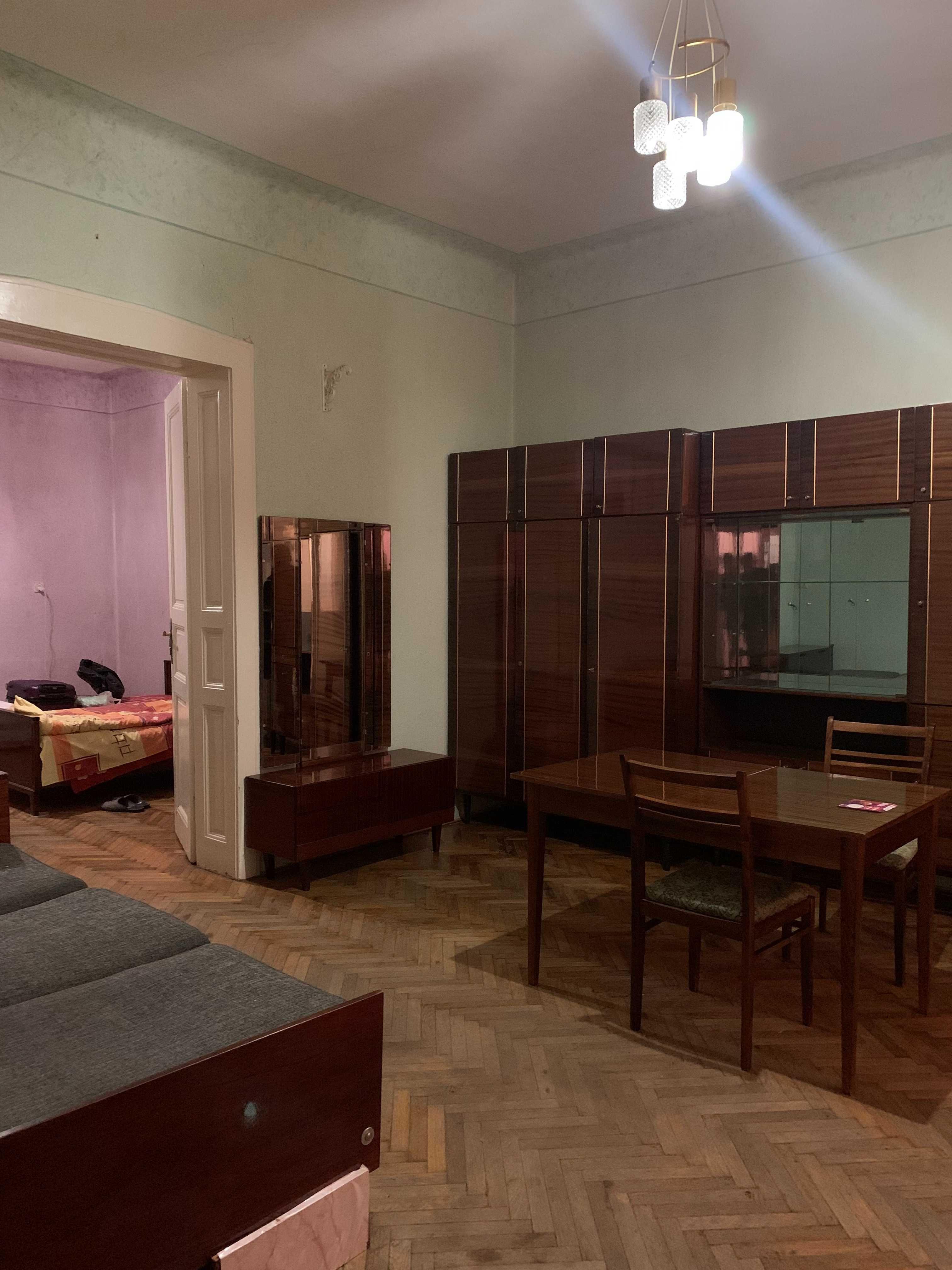 Велика 2-кімн квартира в центрі міста по вул. Гонти