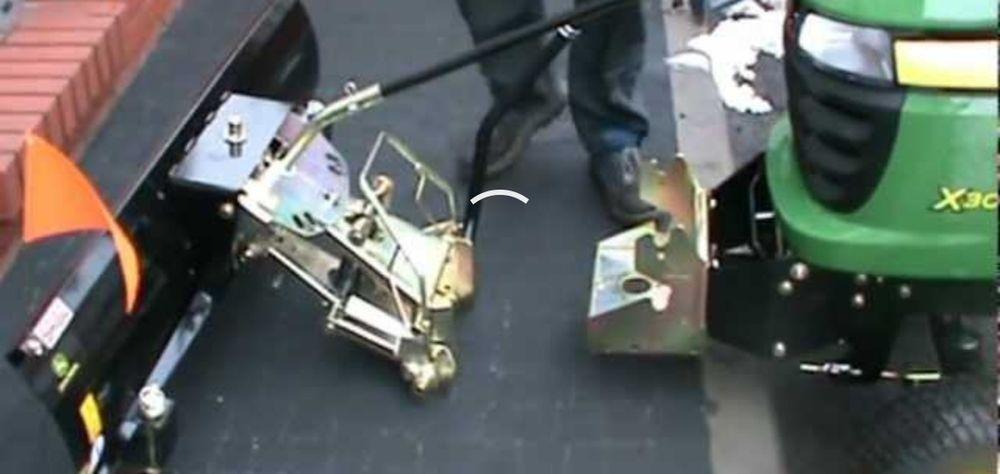 Zaczep mocowanie do zamiatarki do traktorka Bieruń - image 1