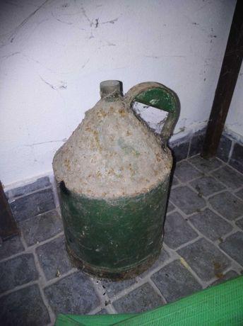 Vendo vasilha antiga