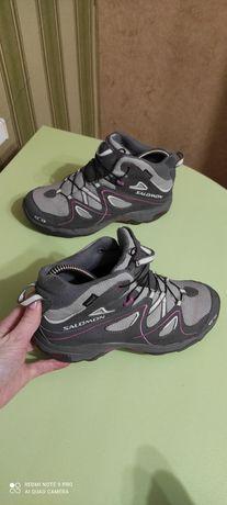 Кроссовки Ботинки Salomon original 36-35р. 22.5см в хорошем состоянии,