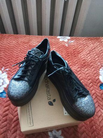 Кожаные кроссовки- туфли