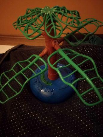 Gra w żabki wyskakujące na drzewo