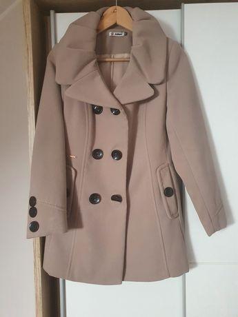 Płaszcz zimowy beż rozmiar 36.