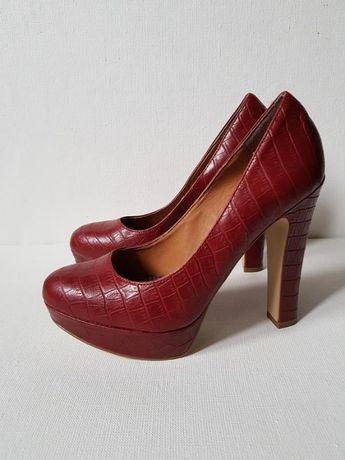 Туфли под кожу крокодила,бордовые туфли высокий каблук марсала Next