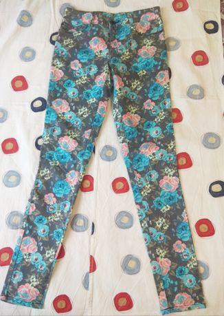 состояние новых! Очень красивые женские джинсы