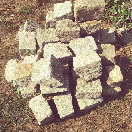 Kamien granitowy budowlany