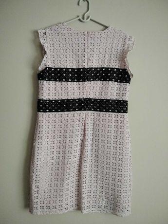 Śliczna koktajlowa sukienka Reserved